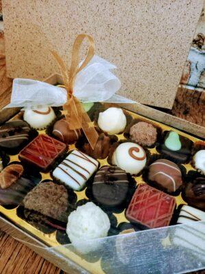 24 Chocolate Cocoa Shell Box