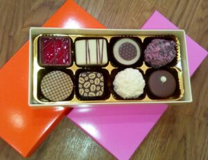 8 chocolate box